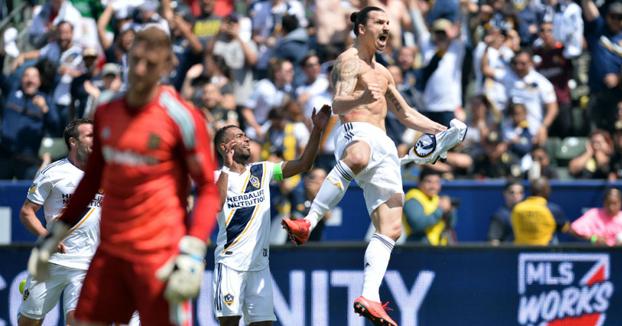 Golazo de Zlatan Ibrahimovic en su debut con Los Ángeles Galaxy