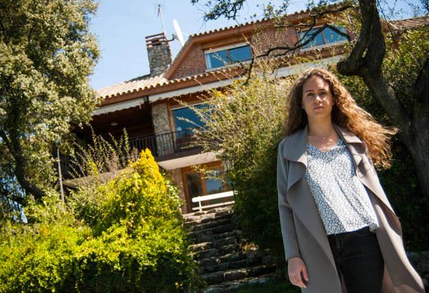''Alquilé mi chalé una noche en Airbnb y me lo han destrozado en una juerga salvaje''