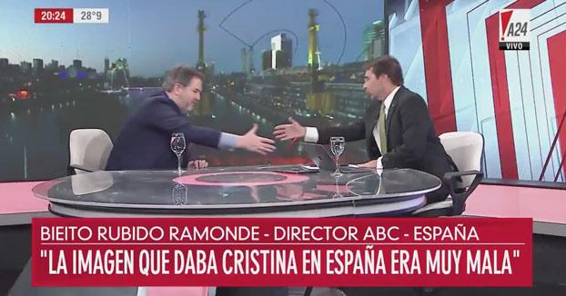 Curiosa la forma de despedirse de las entrevistas de Bieito Rubido, director de ABC