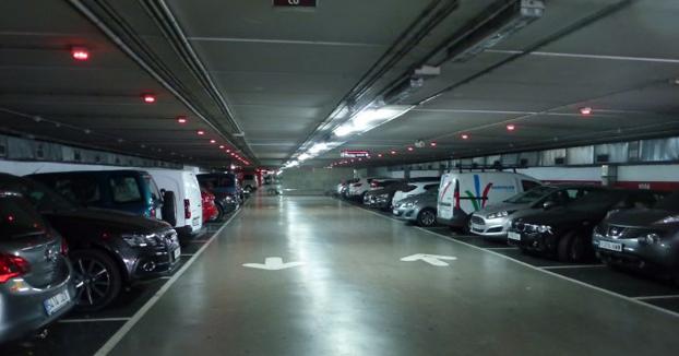 Retiran un coche con una deuda de 28.000 euros tras 9 años en un parking de Palma