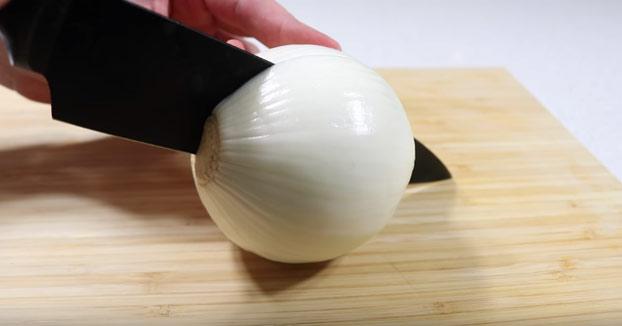 Cómo cortar una cebolla sin llorar