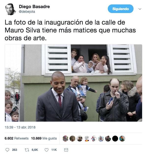 La foto de la inauguración de la calle de Mauro Silva tiene más matices que muchas obras de arte