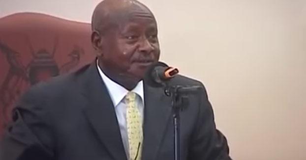 El presidente de Uganda quiere prohibir el sexo oral porque ''la boca es para comer''