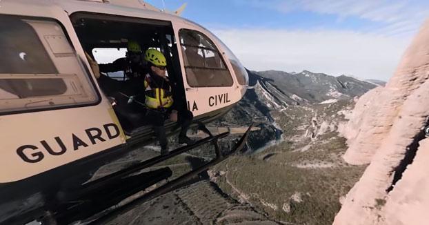 Vídeo 360°: Acompaña a la Guardia Civil al rescate de un escalador en una montaña de Huesca