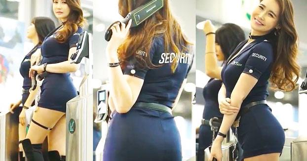 En el aeropuerto de Bangkok todos los viajeros quieren ser cacheados