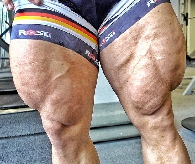 El ciclista alemán Robert Forstemann, en lugar de piernas tiene jamones