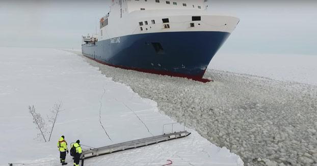 Como quien pilla un taxi en un mar totalmente congelado