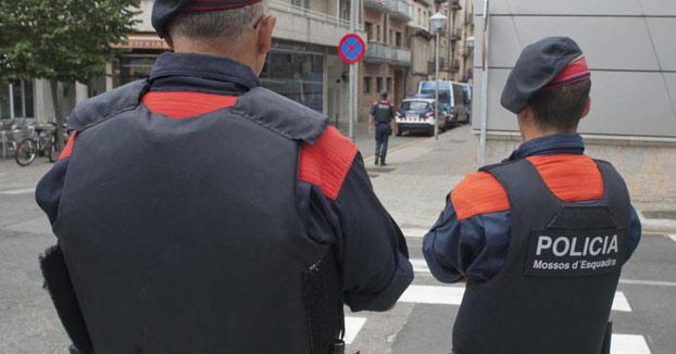 Los Mossos detienen a un hombre que ofrecía trabajo como ayudante de secuestrador en un portal de empleo