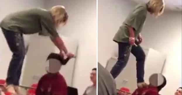 Una profesora tuvo que renunciar a su puesto por la forma que utilizó para despertar a un alumno que se quedó dormido