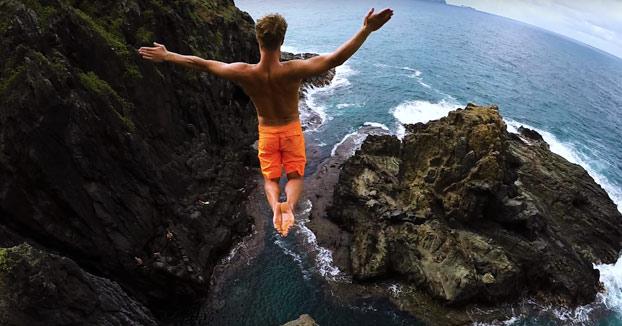 Saltos al agua en Hawaii