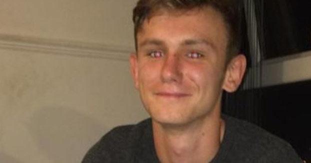Un joven muere tras acuchillarse a sí mismo para demostrar que su chaleco era ''a prueba de puñaladas''