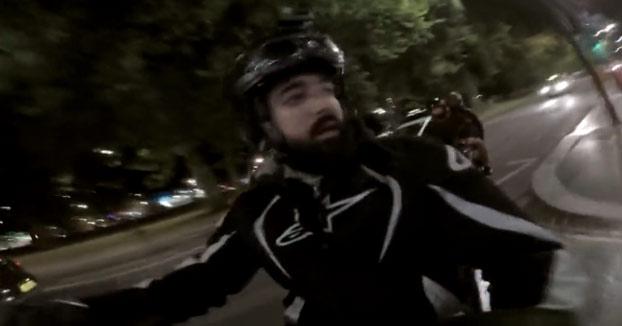 Graba cómo unos ladrones armados lo paran y le atacan en Londres