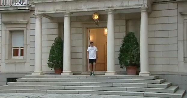 La Moncloa publica unas imágenes de Pedro Sánchez corriendo y un tuitero hace este vídeo