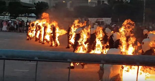 Récord Guinness de gente en llamas: 32 personas ardiendo al mismo tiempo