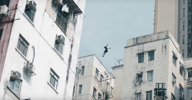 Acojonante: Miembros del grupo 'Storror' haciendo parkour en las alturas