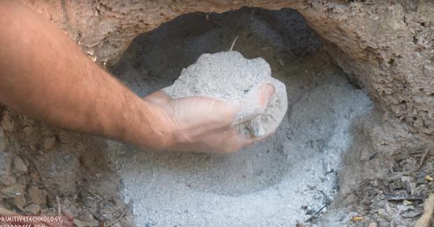 Primitive Technology: cemento con ceniza de madera