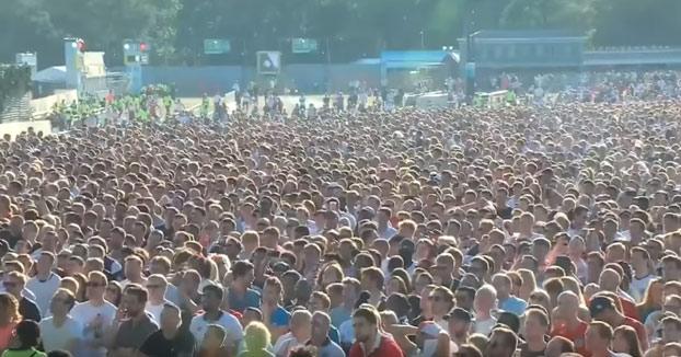 Cerveza al aire en Hyde Park cuando Inglaterra metió el 1-0 contra Croacia