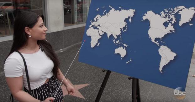 Piden a diferentes personas que pasan por la calle que nombren algún país del mapa y ocurre lo siguiente...
