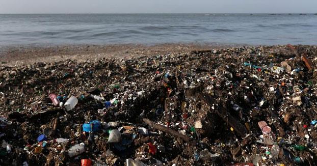 La olas de basura que golpean a Santo Domingo