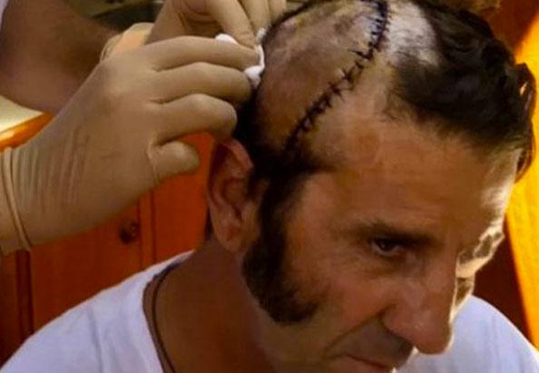 La biografía de Padilla al revés va de un zombie que resucita toros a cambio de que ellos le arreglen la cara poco a poco
