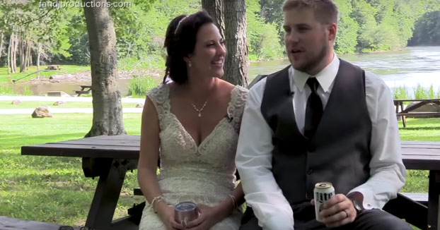 A estos recién casados un árbol casi les arruina la fiesta