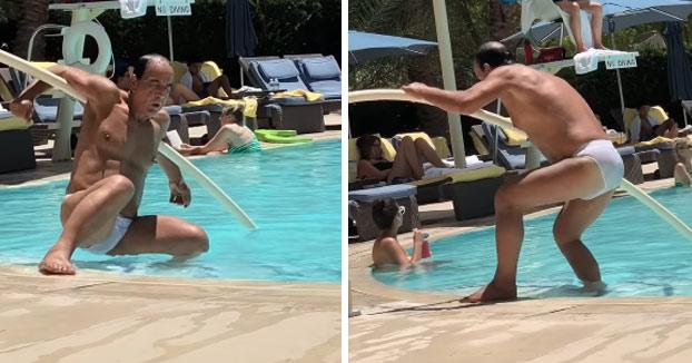 Dándolo todo en la piscina