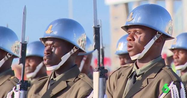 El rey de Suazilandia le cambia el nombre al país harto de que lo confundan con Suiza: ''El reino de Eswatini''