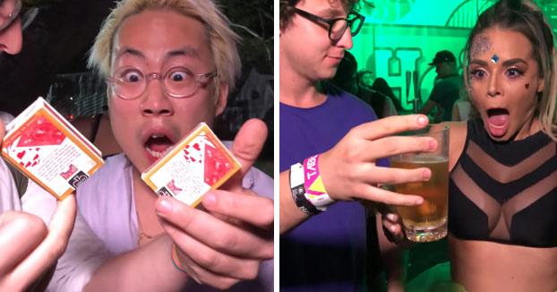Haciendo trucos de magia a gente colocada en un festival