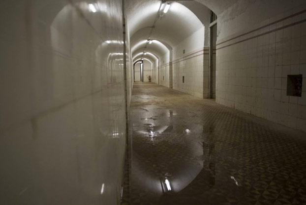 Así es el búnker con capacidad para 250 personas que hay debajo del Parque del Capricho de Madrid