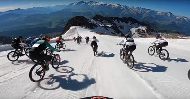 Descenso en bici de la montaña Alpe d'Huez