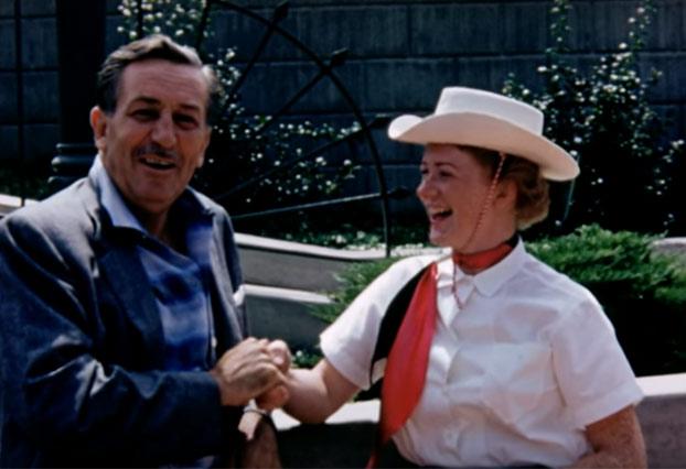 Restaura una película de sus abuelos y encuentra imágenes inéditas de Disneyland en 1956 con el propio Walt Disney