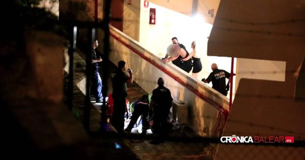 Un turista cae al vacío mientras defecaba desde un balcón en un hotel de Magaluf