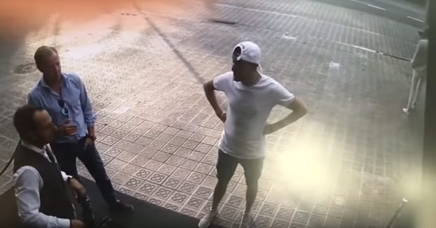 Así le roban estos ladrones un reloj de 40.000 euros a un turista en Barcelona