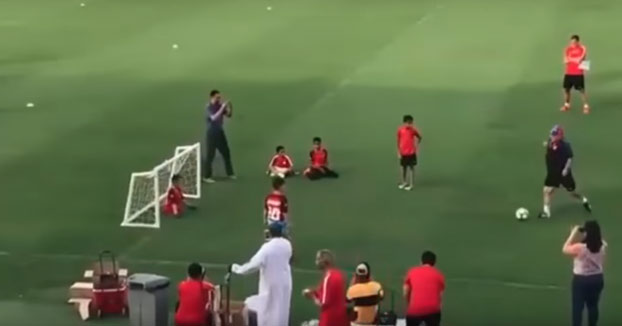 Cuando Maradona le metió un gol por la escuadra a un niño sin piernas