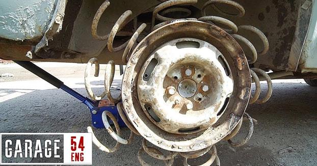 ¿Qué ocurre si cambias los neumáticos de tu coche por un montón de muelles?