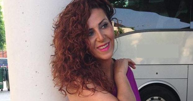 Una mujer de 40 años de Arahal se casa consigo misma por todo lo alto