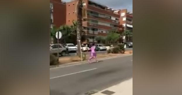 Un turista británico huye desnudo del hospital de Ibiza