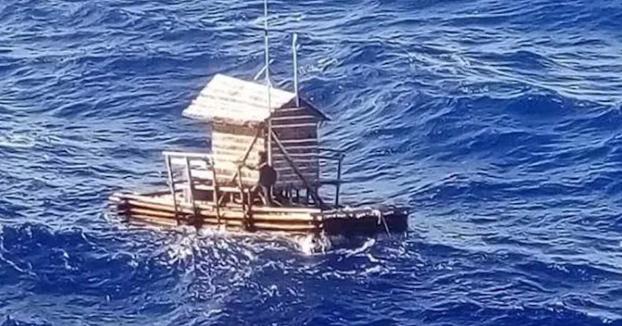 Un adolescente sobrevive 49 días a la deriva en el mar sobre una cabaña de pesca