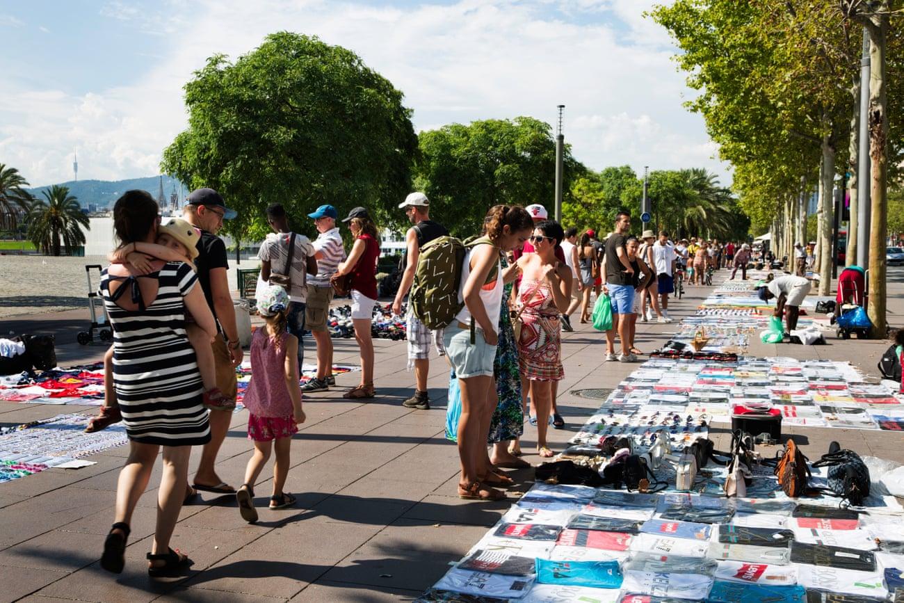 Por qué el turismo está matando Barcelona. Un ensayo fotográfico