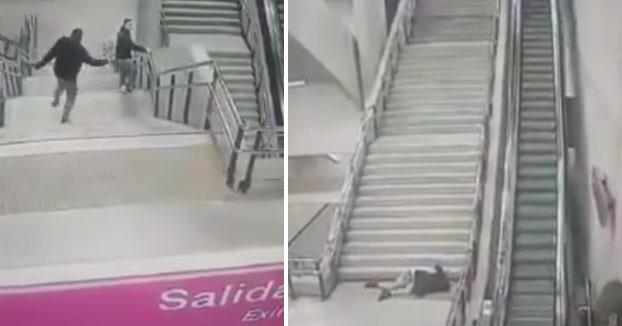 Atención a la caída de este chaval por las escaleras del metro