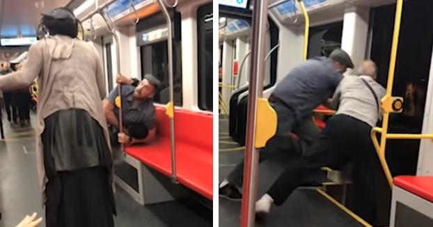 Dos hombres intentan tirar del tren a otro por ir con la música alta