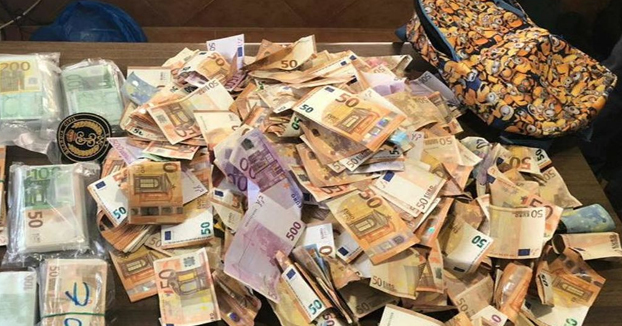 La Guardia Civil busca al dueño de 240.000 euros perdidos en la carretera A-4 en Tembleque