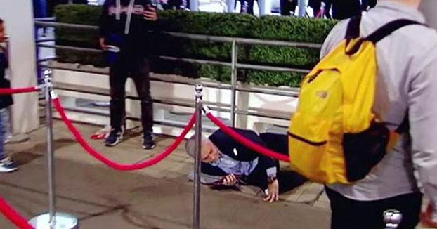 Cachondeo en Twitter por la caída de Mourinho al entrar en el estadio de Wembley