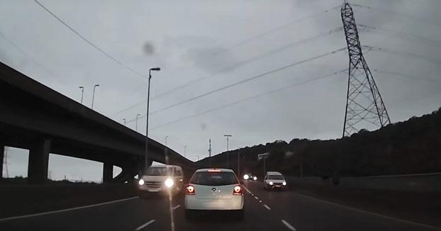 Persecución a unos ladrones de coches en Sudáfrica