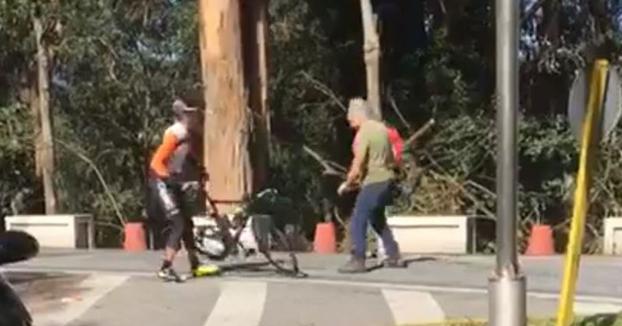 Un camionero agrede a dos ciclistas con un martillo en Pontevedra