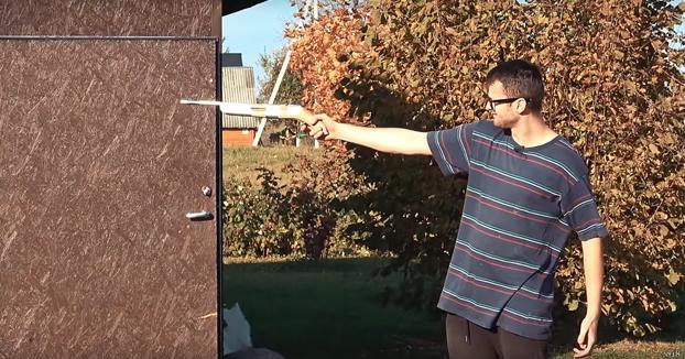 Se fabrica su propia pistola casera. ¿Qué podría salir mal?