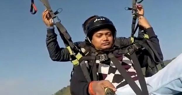 Fallece un instructor al romperse el parapente en pleno vuelo cuando iba con un turista