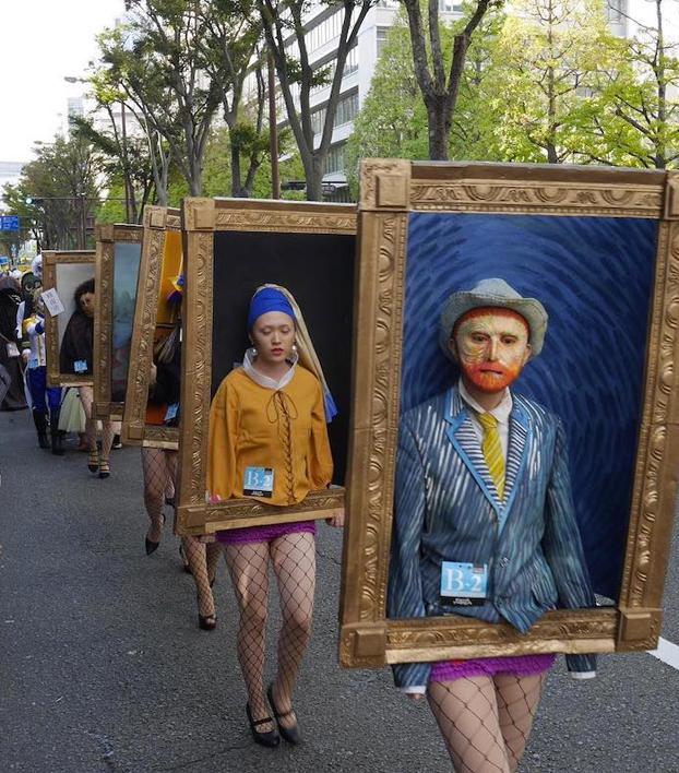 Espectaculares disfraces de obras de arte para Halloween en Japón. No podía faltar el representante de España