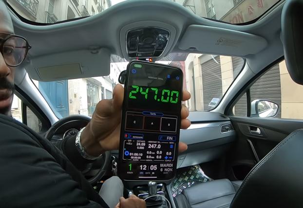 Dos turistas descubren la estafa de un falso taxista que multiplica por cuatro las tarifas