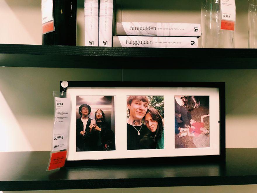 Reemplazan todas las fotos enmarcadas de un Ikea con fotografías de ellos mismos